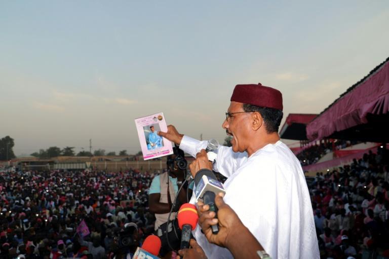 Présidentielle au Niger: Mohamed Bazoum en tête, mais un second tour est  envisagé
